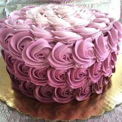 text 518-932-7200 to place your order!!😊 #bakedbyjordan #cake #cupcake #baker #baking #homemadeb