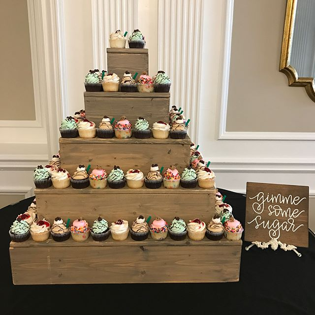 Last nights Younglife event at the Queensbury Hotel!☺️ #bakedbyjordan #cake #cupcake #cakes #cupcake