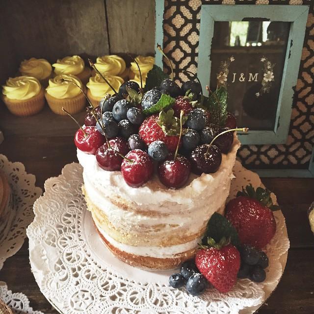 Part 2! #cupcake #cake #nakedcake #freshfruit #vanilla #lemon #pumpkinspice #redvelvet #applepie #we