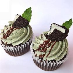 Oreo Mint Cupcakes!!😋 chocolate cake, f