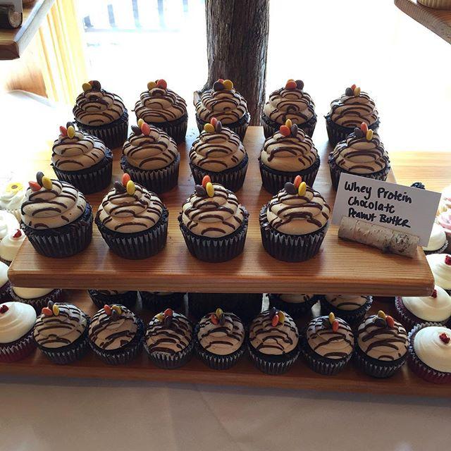 Whey Protein Chocolate Peanut Butter 🎂💐💍😊 #bakedbyjordan #cake #cupcake #weddingday #wedding #la