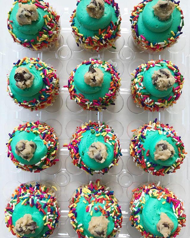 Funfetti Cookie Dough!!😋#bakedbyjordan