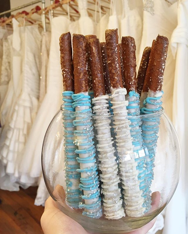 Last weekend of the Willowby by Watters Trunk Show at _alovestorybridal !! Say yes to the perfect dr