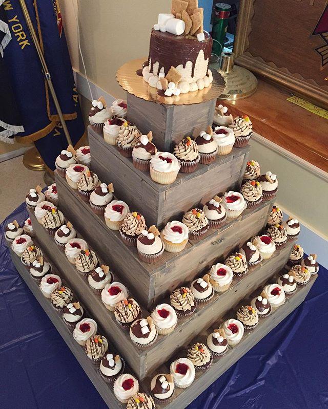 Baked by Jordan🎂🎂🎂 #bakedbyjordan #cake #cupcake #instacupcake #weddingcupcakes #summertime #butt