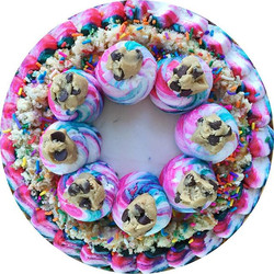 Y🎂U🎂M🎂M🎂Y! #bakedbyjordan #cake #cupcake #funfetti #cakebatter #sprinkles #buttercream #frosting