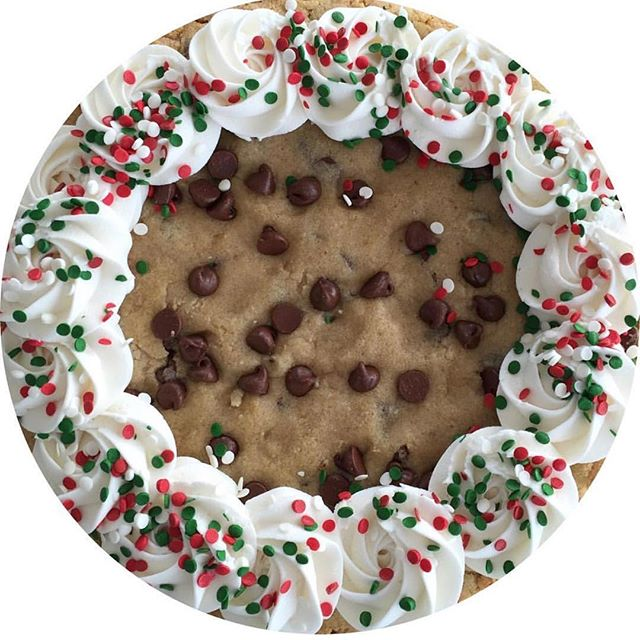 Dreaming 💤 of giant homemade 🍪 for 🎅🏻!! ✨December promos are coming!✨But let's be thankful and e
