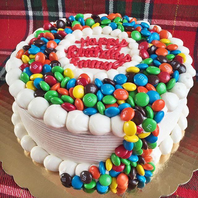 Text 518-932-7200 😋😋😋 #bakedbyjordan #cake #cupcake #candycake #birthdaycake #baker #baking #home