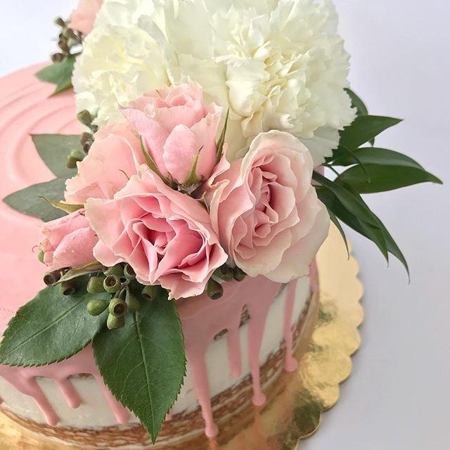 This might be my fav fav fav cake ever!!