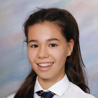 Simone Bache GCSE Student 6 A*/4 A grade