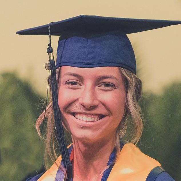 María Moro Bermudo, IB student, 43 points