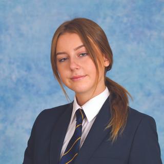 Jade Beeks GCSE Student 10 A*- A grade