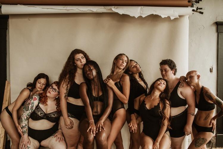 women-empowerment-boudoir-photoshoot-pho
