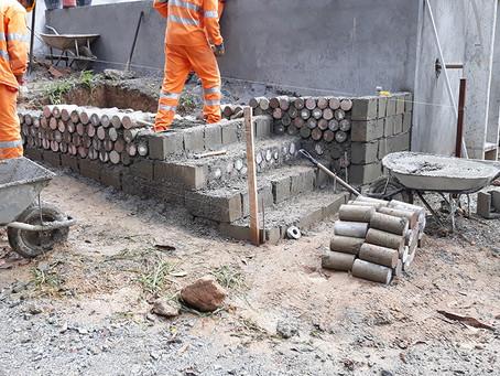Obras da BR-381 transformam resíduos construtivos em peças estruturais.