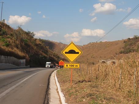 Em caso de danos na sinalização, comunique o DNIT