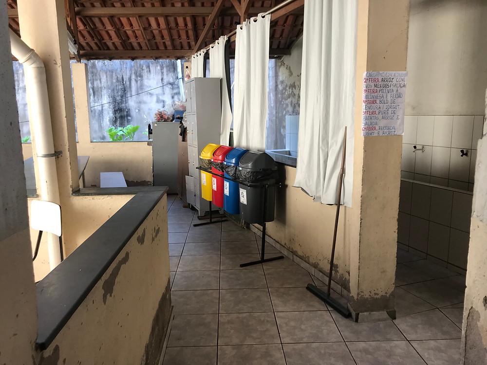 Coletores devidamente instalados na Escola Estadual Coronel Fabriciano Felisberto de Brito