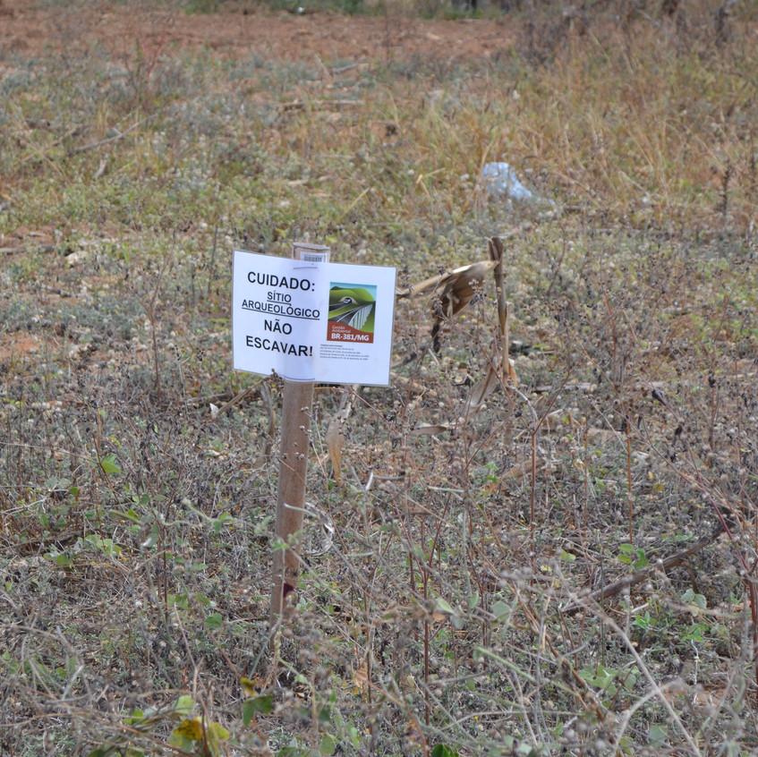 Área de demarcação de trabalho arqueológico.