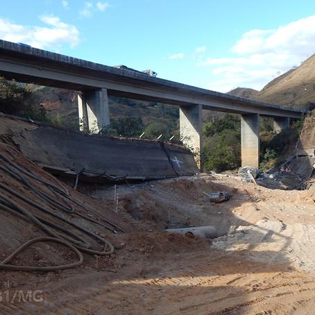Demolição da antiga ponte sobre o Rio Piracicaba