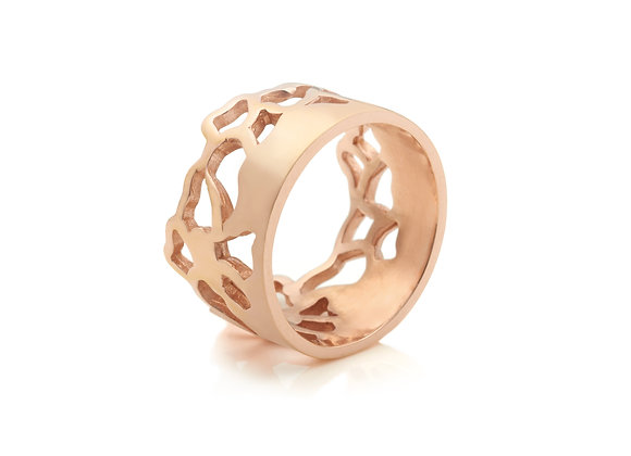 wide embroidery ring in 9ct rose gold