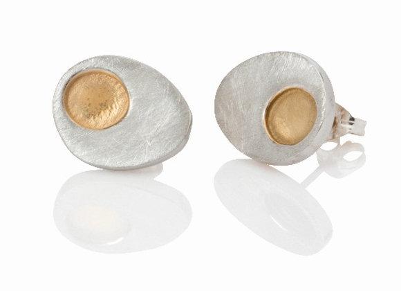dot stud earrings - silver