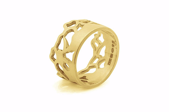 wide embroidery ring in 9ct yellow gold