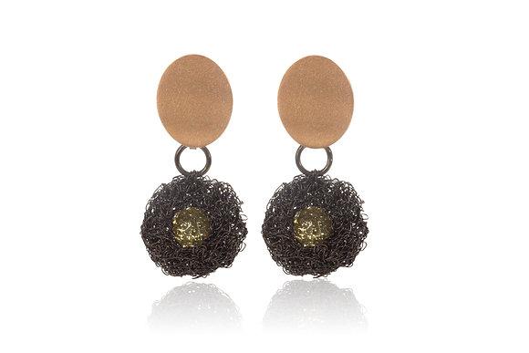 pod earrings in gold with lemon quartz