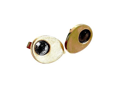 dot stud earrings in 9ct gold