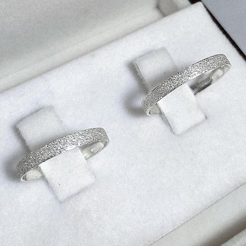 Par de Aliança de Prata 2mm - Quadrada Diamantada