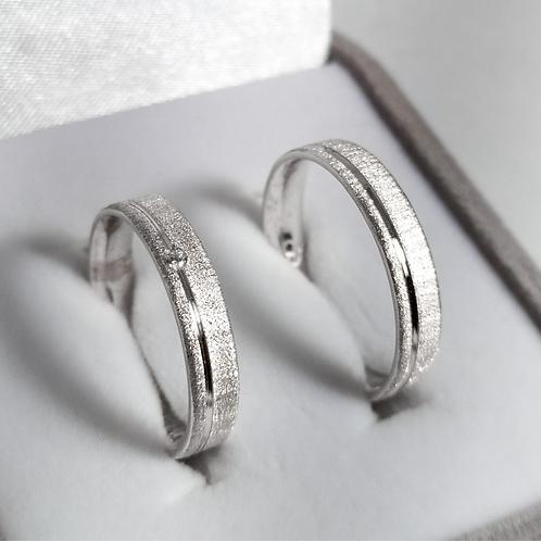 Par de Aliança de Prata 5mm - Diamantada com corte lateral