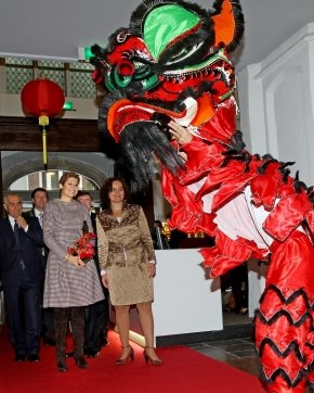 Lion Dance princess Maxima