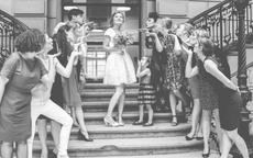 La mariée et ses amies - Crédit Kelly His
