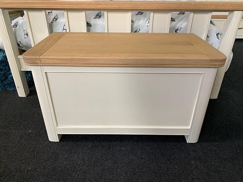 Oxford Blanket Box