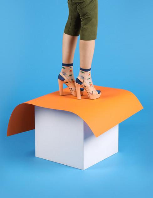 Обьувь на ногах модели