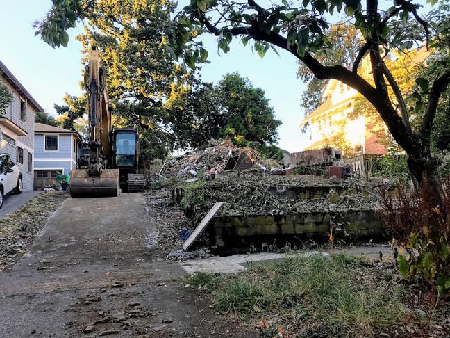 The Next Demolition In Laurelhurst (Again)