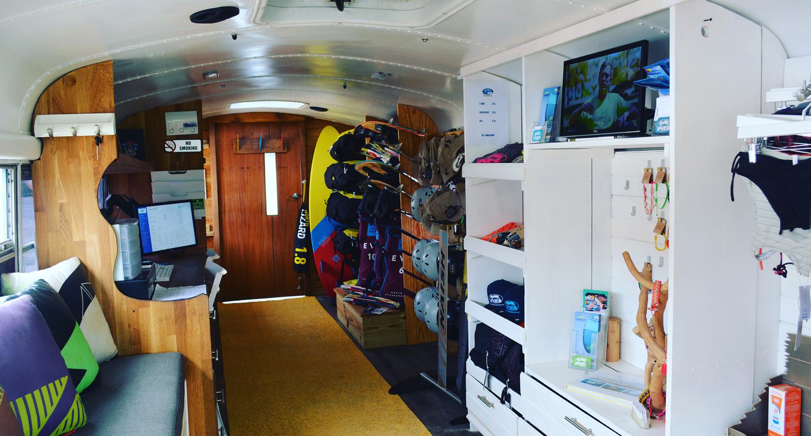 insidebus-kiteboardingboanire