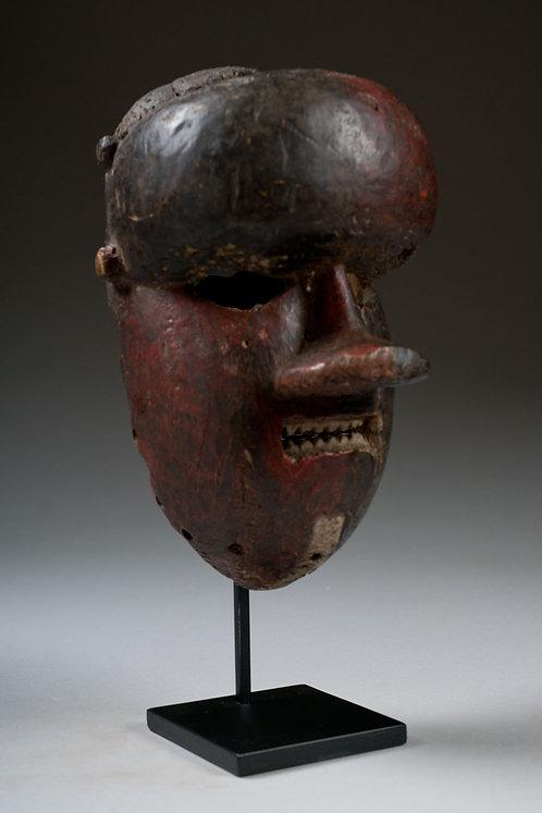 Salampasu mask