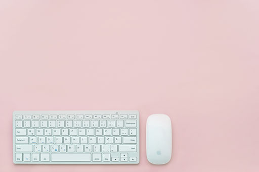 ピンクのキーボード