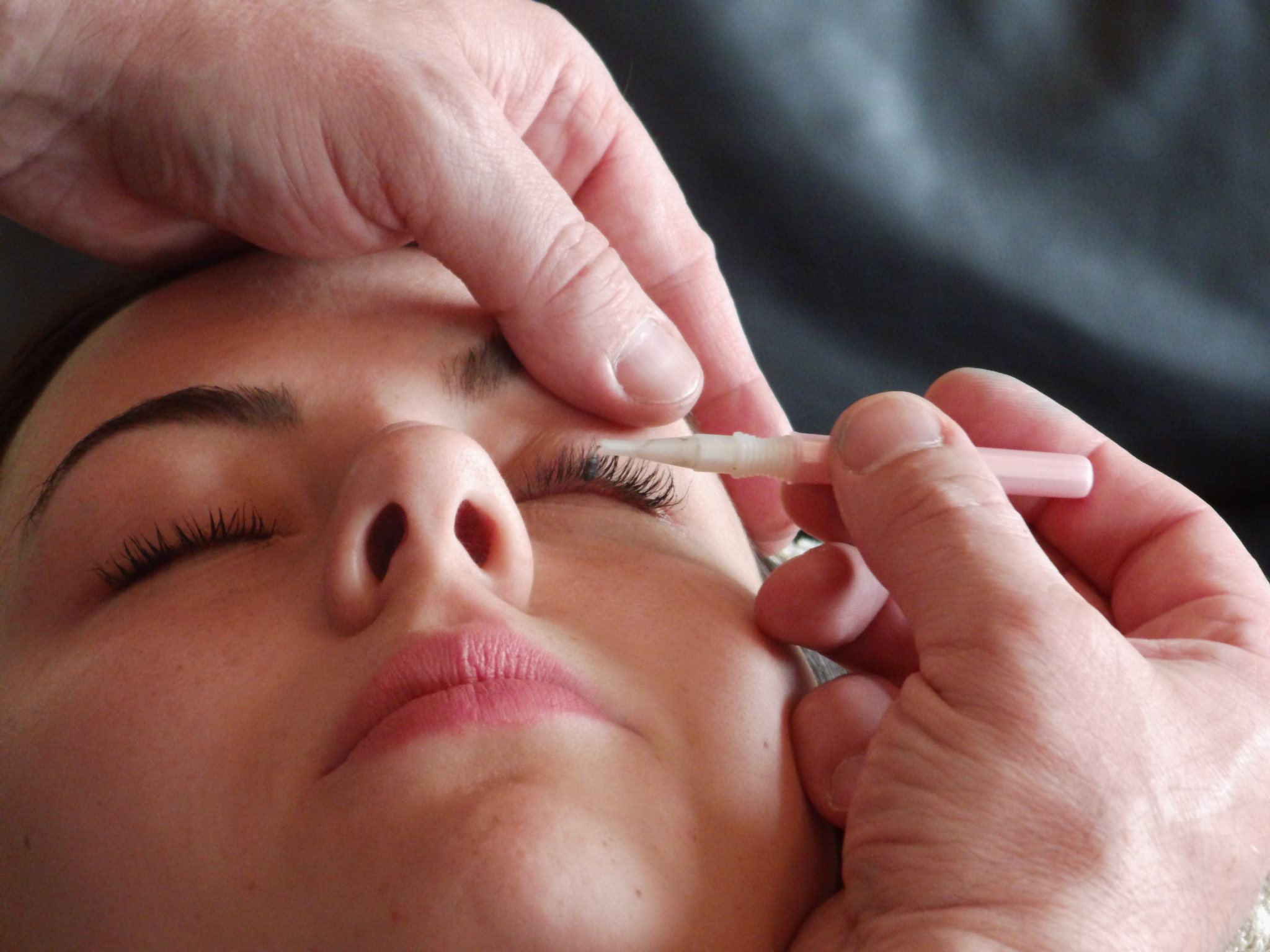 Application du Mascara Semi Permanen