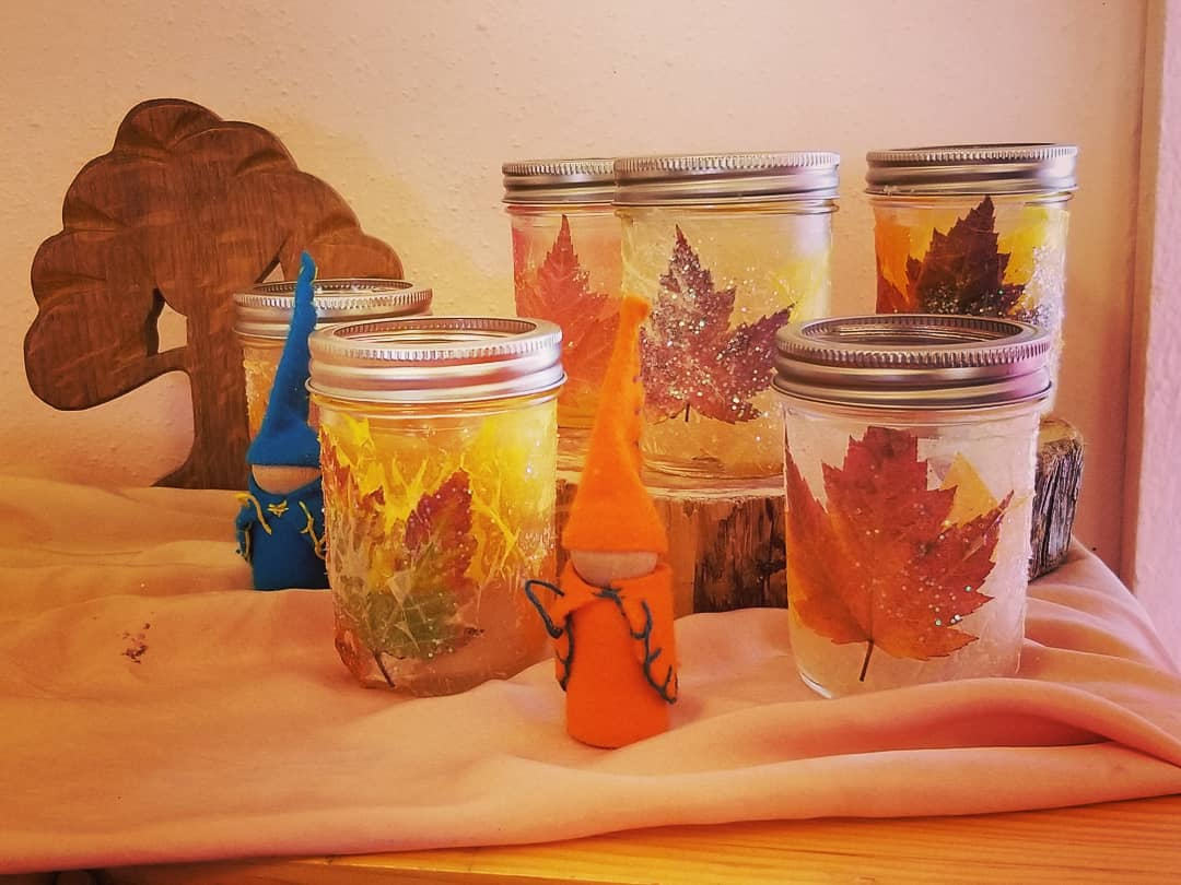 Lantern making in the preschool