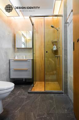 Bathroom 1.jpeg