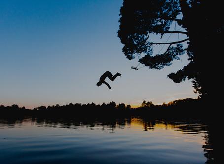 Nachtschwimmen und Kinderzelten