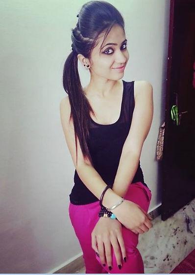 586550331-indian-girls-wallpaper.jpg