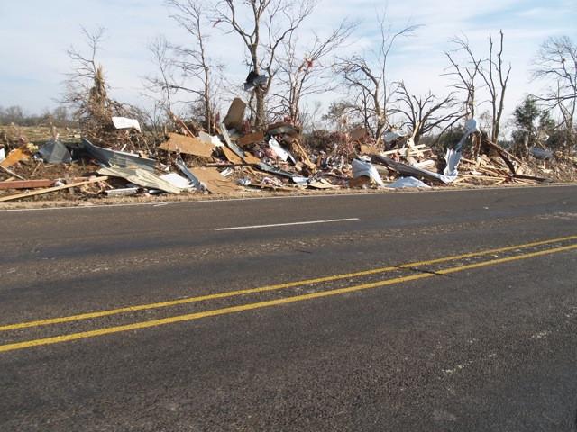 © Dan Schellenberg tornado damages.jpg