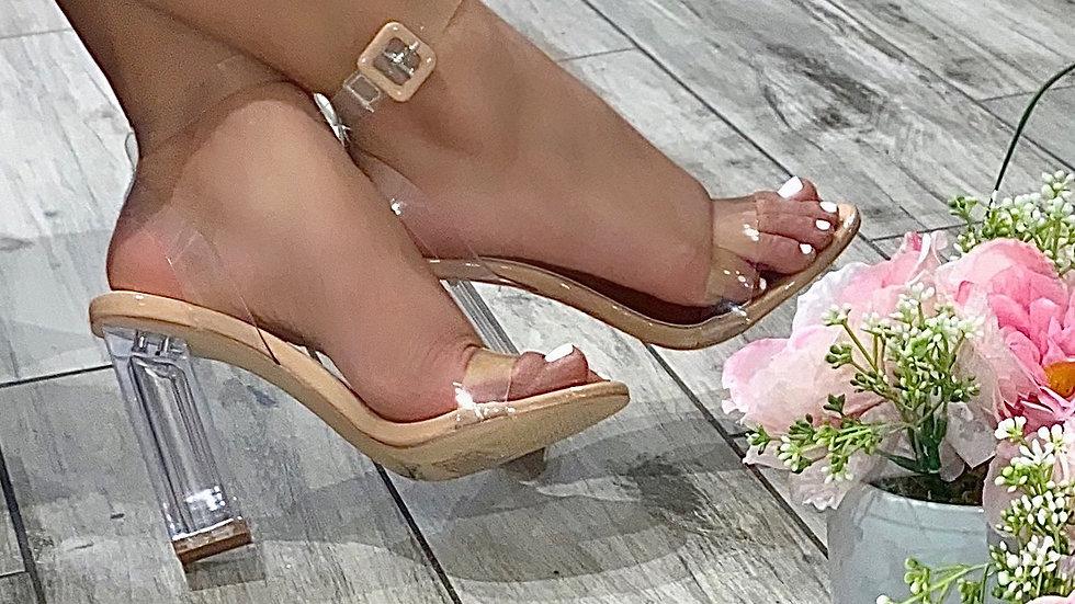 Claire Heel
