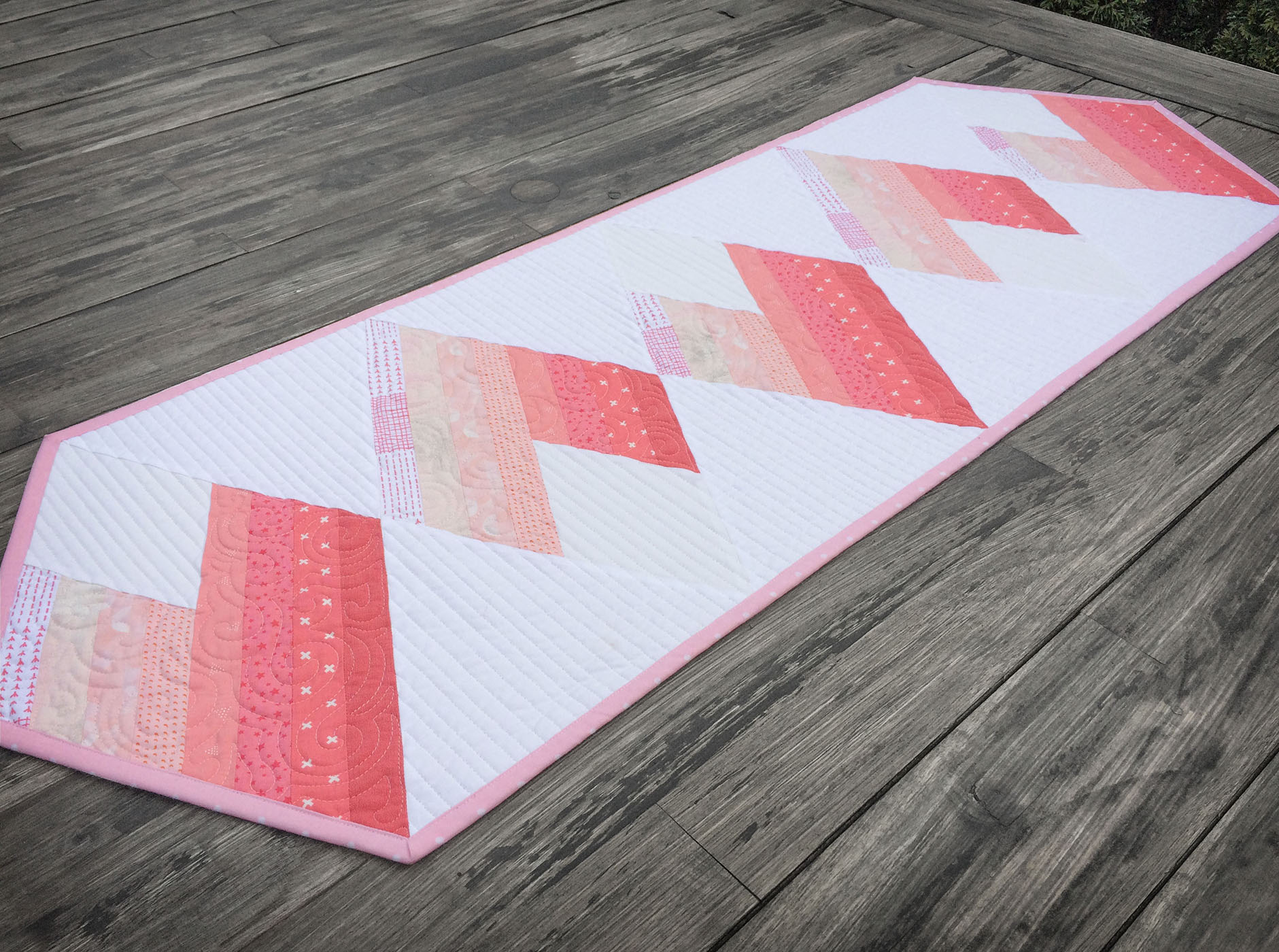 Mi Amour Table Runner