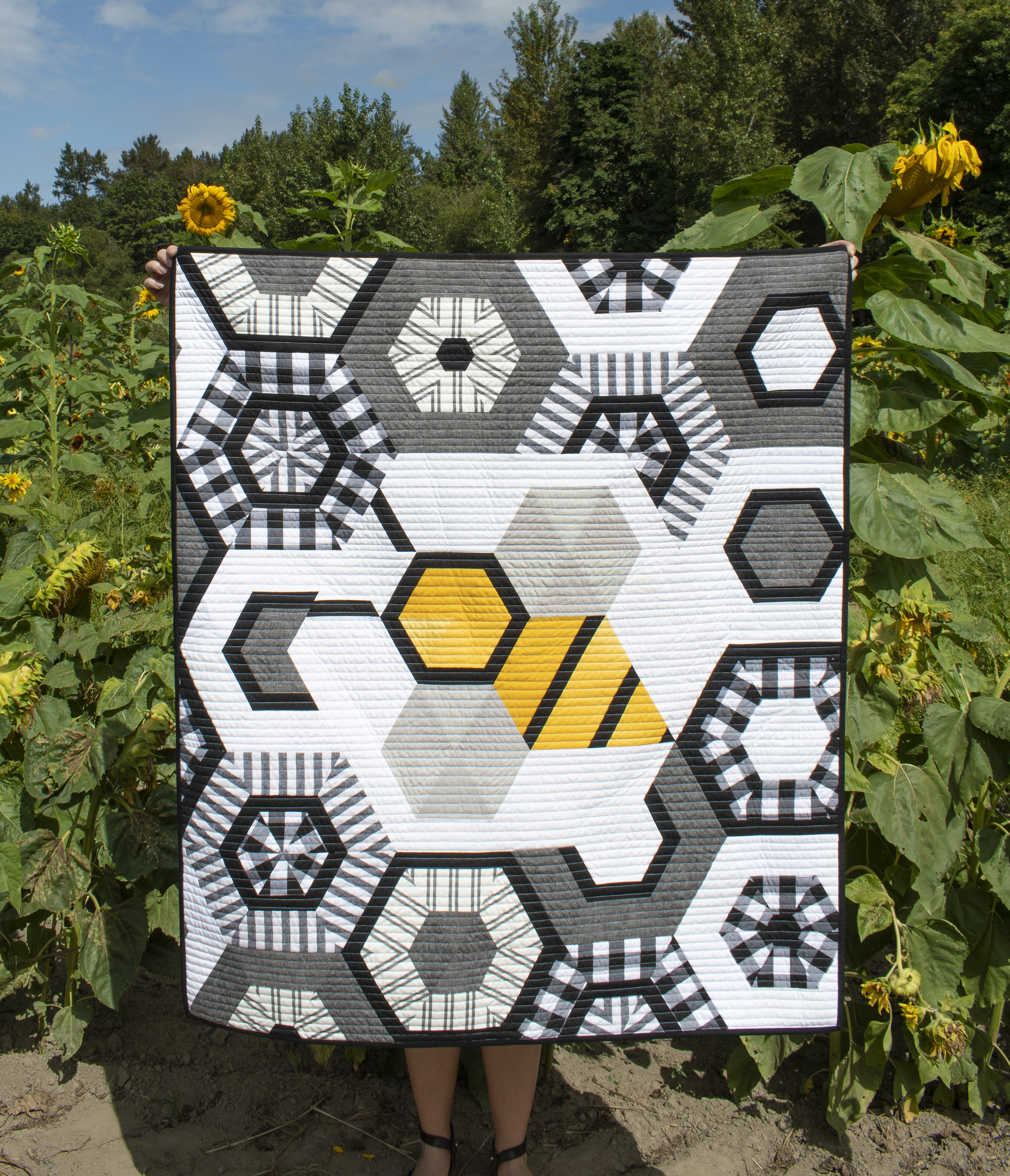 Big The Bee Baby Quilt
