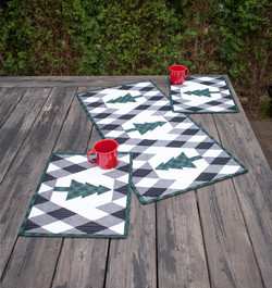 Buffalo Lodge Table Runner and Place