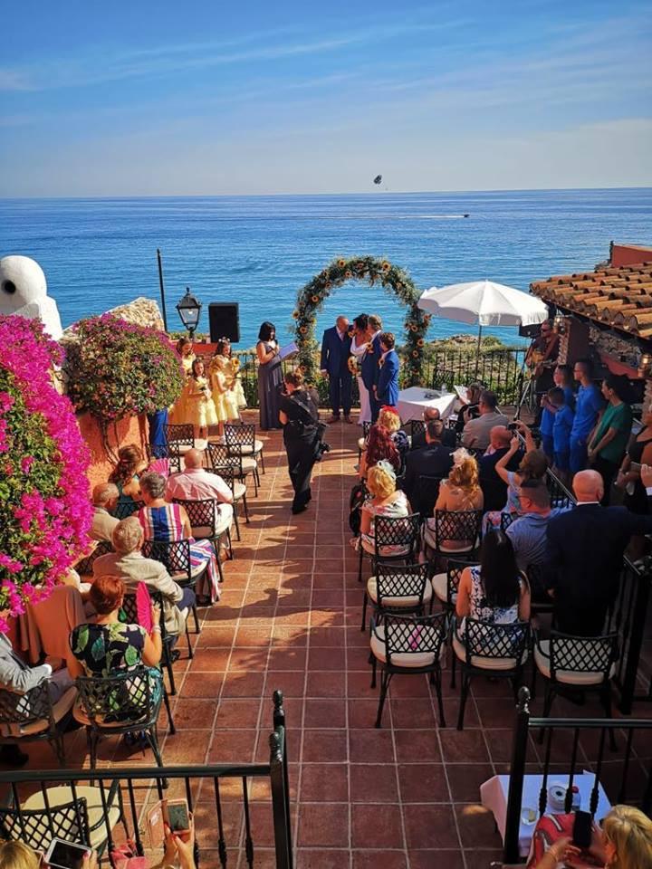 Celebrant Nerja, Celebrant Granada, Celebrant Benalmadena, Wedding Celebrant Costa del Sol