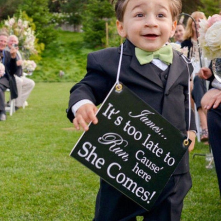 Cute wedding signs for kids!