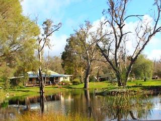 Coomallo Park Chalets