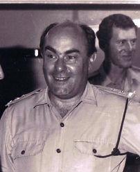 1971 02 28 Lt Col Darrel Strickland Offrs Mess 22 RVR (Lt Colin Paterson at rear).JPG